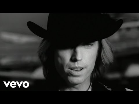 Tom Petty - Learning To Fly lyrics