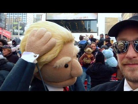 Νέα Υόρκη: Οι μαριονέτες κατέκλυσαν την Times Square