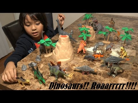 Prehistoric Dinosaur Toys: 20 Dinosaurs in a Plastic Container Unboxing :-)