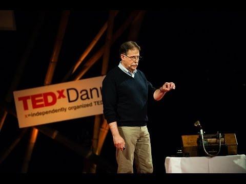 Az információ-technológia dinoszauruszainak tanulságai: Kutor László at TEDxDanubia 2014