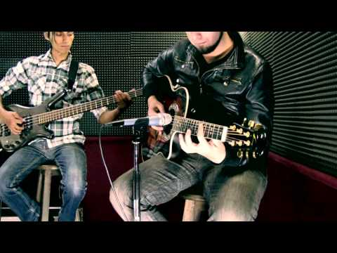 Cross the Line - Acustic Session