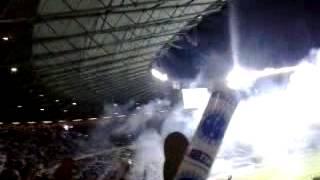Cuere, coco e Neto no meio da torcida do cruzeiro vendo o show do Cruzeiro encima do Flamengo