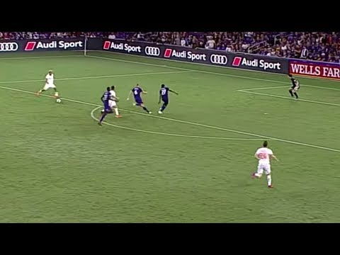 Video: Josef Martinez curls it in to score for a record breaking 12th GAME IN A ROW!