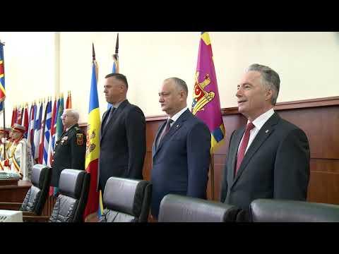 Igor Dodon a prezentat efectivelor a două ministere pe noii miniștri