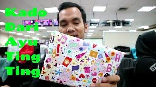 Video Dapat Hadiah dari Ayu Ting Ting ??? MP3, 3GP, MP4, WEBM, AVI, FLV Januari 2019