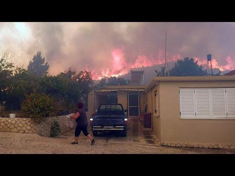 Εκτός ελέγχου η φωτιά στην Ζάκυνθο – Εκκένωση δύο χωριών…