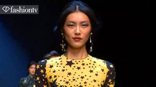 Models - Liu Wen + Kristina Romanova - Fall 2011 | FashionTV - FTV
