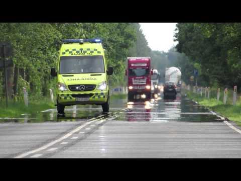 Ambulance under udrykning Karup