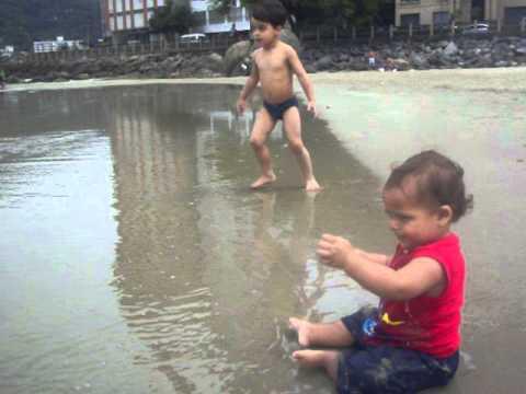 Heitor Stein - na praia da biquinha em São Vicente