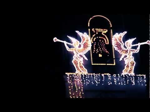 L'oratorio illuminato da 50mila luci