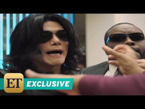 EXCLUSIVE: Michael Jackson and His Kids Get Mobbed at the Mall in 'Searching for Neverland' Sneak…