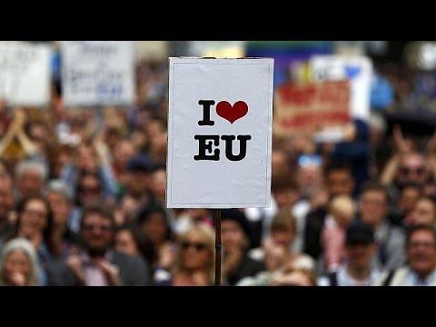 Βρετανία: Μαζική διαδήλωση στο Λονδίνο κατά του Brexit