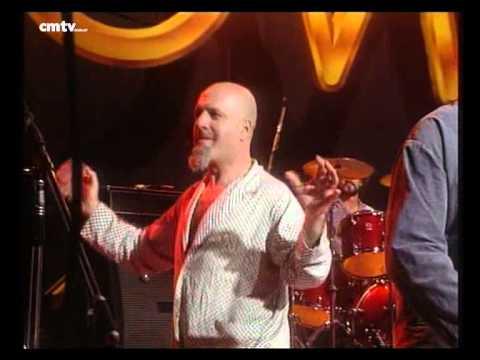 Bersuit Vergarabat video Los tambores - CM Vivo 2000