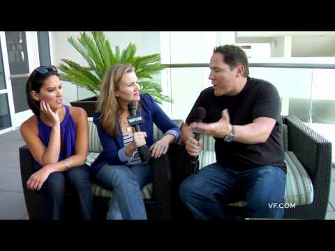 Cowboys Aliens Intervi - http://www.highlinestudios.com Jon Favreau talks about COWBOYS and ALIENS, filmmaking, his career, and Comic Con. (Part 2/2) Hosted by Krista Smith and Olivi...
