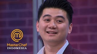 Video MASTERCHEF INDONESIA - Chef Arnold Bahas Ayam Kesayangan Bayu | Gallery 10 | 14 April 2019 MP3, 3GP, MP4, WEBM, AVI, FLV Mei 2019