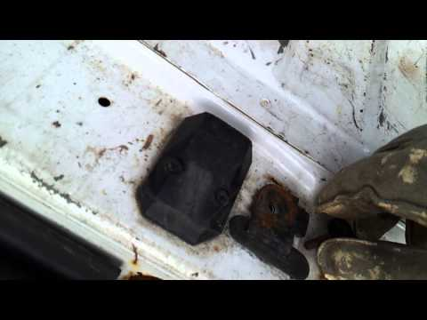 econoline e150 is spare tire hole cover ford van