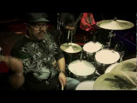 GuitarCenterTV - Part 1 of Dennis Chambers' performance @ Guitar Center's 2011 Drum Off Grand Finals on January 14th, 2012 at Club Nokia in Los Angeles featuring Graffiti wit...