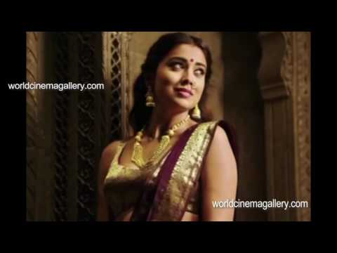 Shriya Saran HOT in Saree