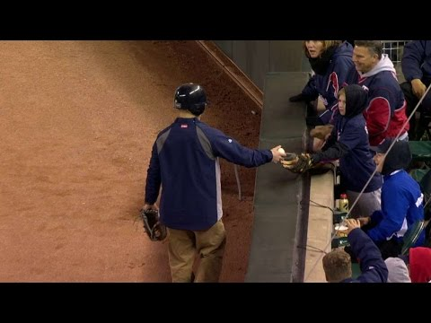 Twins Ballboy Makes Amazing Catch to Protect Fan