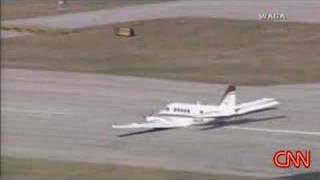 Aircraft Emergency Landing ( Must See )