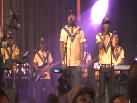 Csar NGADI : JB MPIANA, concert-BCBG en chant