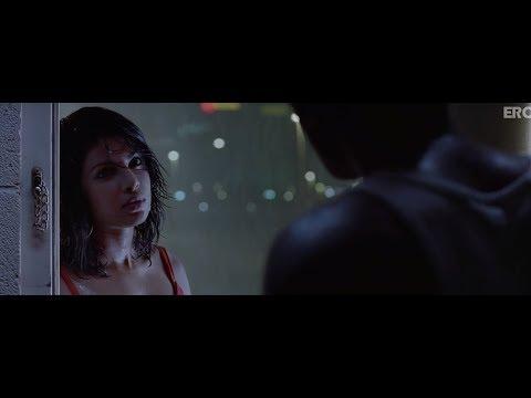 Ranbir and Priyanka movie scene   Anjaana Anjaani