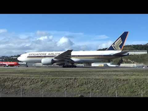 Wellington Airport - Singapore Airlines Boeing 777-212 9V-SRM Take Off RWY34