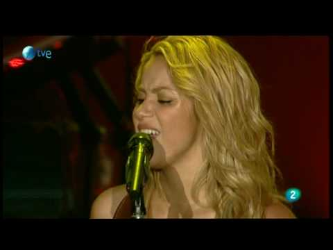 Shakira - Underneath your Clothes (Rock in Rio Madrid 2010)