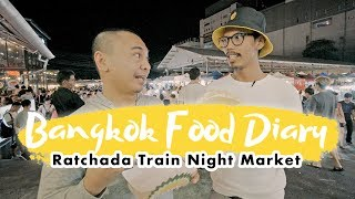 Video JAJANAN ENAK PASAR MALAM THAILAND - BANGKOK FOOD DIARY EPS. 4 MP3, 3GP, MP4, WEBM, AVI, FLV April 2019