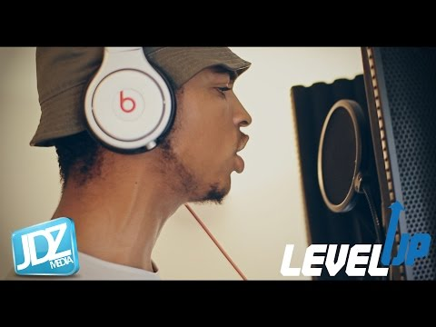level up - Eyez from Derby gives us his Level UP ! @Eyez_UK @JDZmedia Prod by XXTRAKT Backing vocals by @Zee_Musiq.