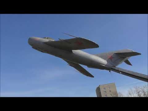 самолет МиГ-17, Памятник авиаторам Волховского района