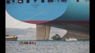 Video Big Ship - Emma Maersk, Wal-Mart gets its stuff from China MP3, 3GP, MP4, WEBM, AVI, FLV Juni 2018