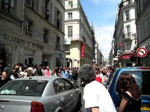 HOMMAGE à  MICHAEL JACKSON  Paris rue d'Hauteville 10ème   1