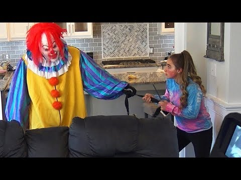 Video Scary Creepy Clown Breaks into Our House and Gets Confronted download in MP3, 3GP, MP4, WEBM, AVI, FLV January 2017
