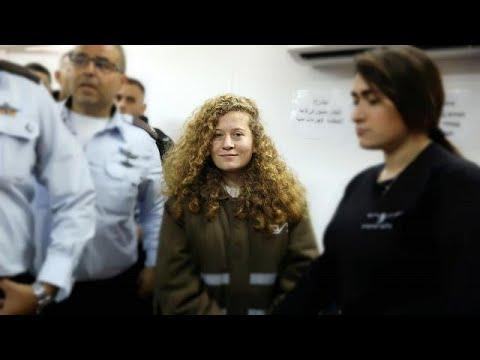 Video İsrail askerine tokat atan Filistinli kız Ahed Tamimi'nin duruşması ertelendi download in MP3, 3GP, MP4, WEBM, AVI, FLV January 2017