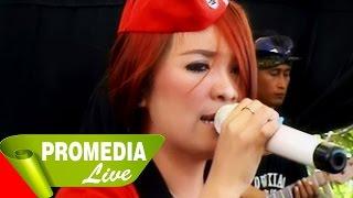 Video Kancing Klambi - Era Poetry - Dewi Kirana 23-8-2014 MP3, 3GP, MP4, WEBM, AVI, FLV Juli 2018