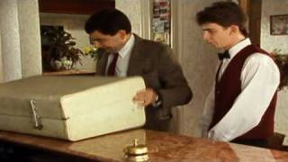 MrBean - mr Bean - Checking in at the hotel