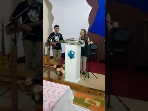Louvando em Pinhalzinho na c.t.p no ultimo culto de domingo