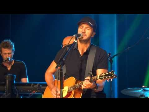 Luke Bryan Debuts New Song for His Fan Club!