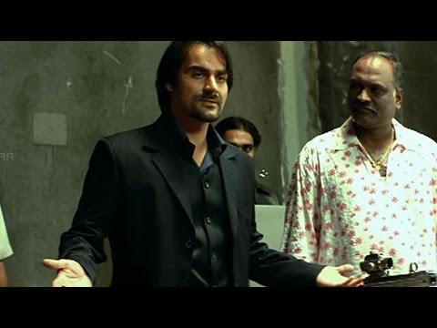 Jai Chiranjeeva Movie || Arbaaz Khan Introduction Action Scene