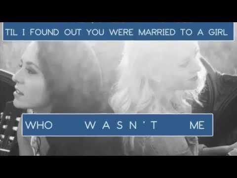 Tekst piosenki Megan and Liz - Grave po polsku