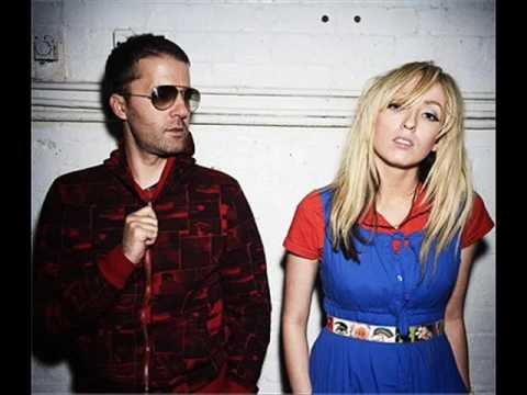 Tekst piosenki The Ting Tings - Fruit Machine po polsku