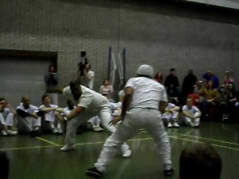 Mestre Ediandro e Mestre China, Capoeira Conviver batizado (видео)