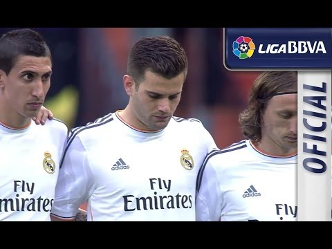Moment of silence for Tito Vilanova in Bernabéu (видео)