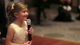 Download Lagu 6-Year-Old Flower Girl Surprises Bride and Groom with Adorable Performance Mp3