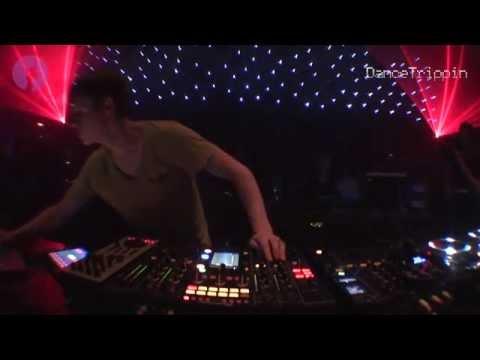 Energy 52 - Cafe Del Mar (Ricardo Villalobos Remix) [played by Joris Voorn]