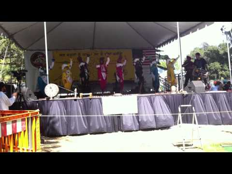 Video Bay Area Bhangra Club(B.A.B.C) @ Fresno Mela 2011 Ist Place download in MP3, 3GP, MP4, WEBM, AVI, FLV January 2017