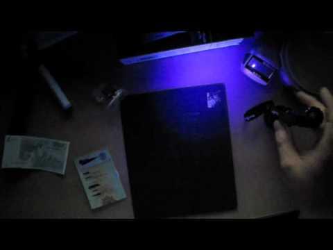 www.taschenlampen-test.de Review der Tank 007 mit 3Watt UV-LED von rautaxe