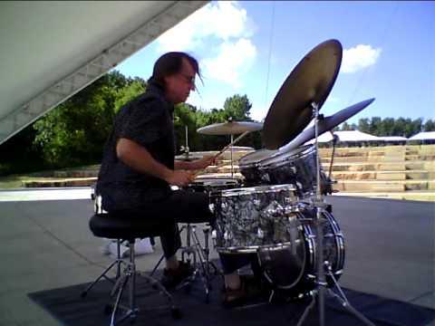 Drummer Bruce Berg on Vintage Slingerland BDP plays African time Drum solo.