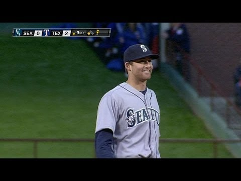 Video: Cano fields carom, turns double play